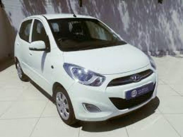 White Hyundai I10 GLS Motion 11