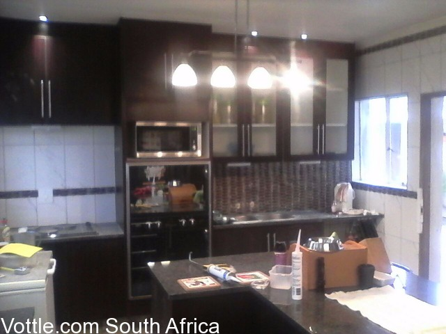 Kitchen fitters sandton free classifieds for Kitchen installers gauteng